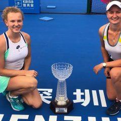 Siniaková vítězka čtyřhry, Plíšková vsemifinále vShenzhenu