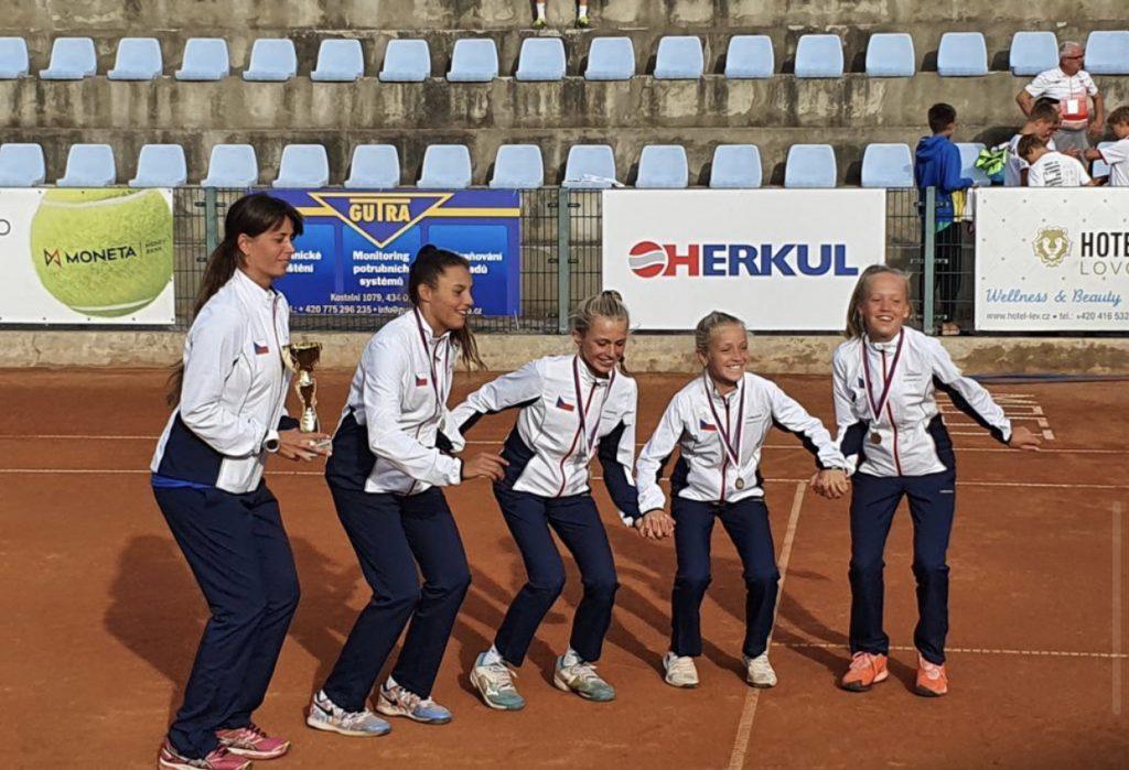 """ČESKÝ VÝBĚR DÍVEK """"12"""" VYHRÁL NATION CUP"""